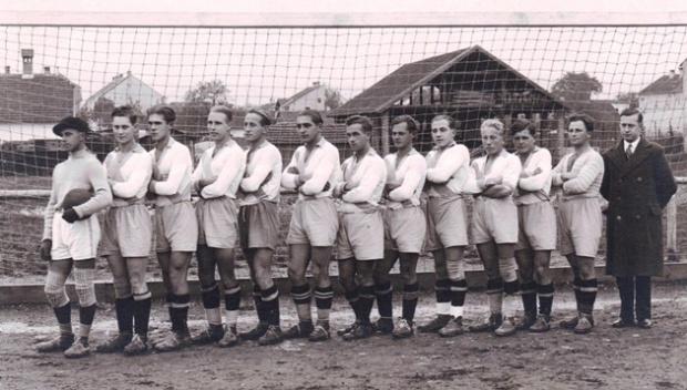 KM 1940